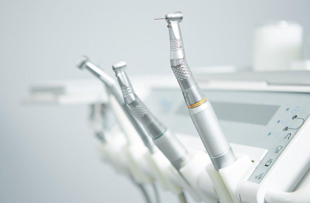 Hambaravikabinetid ja hambaarstid vajaksid tihedamini kurja kubjast