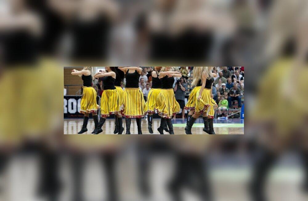 Идея: научим Европу танцевать каэраяан!