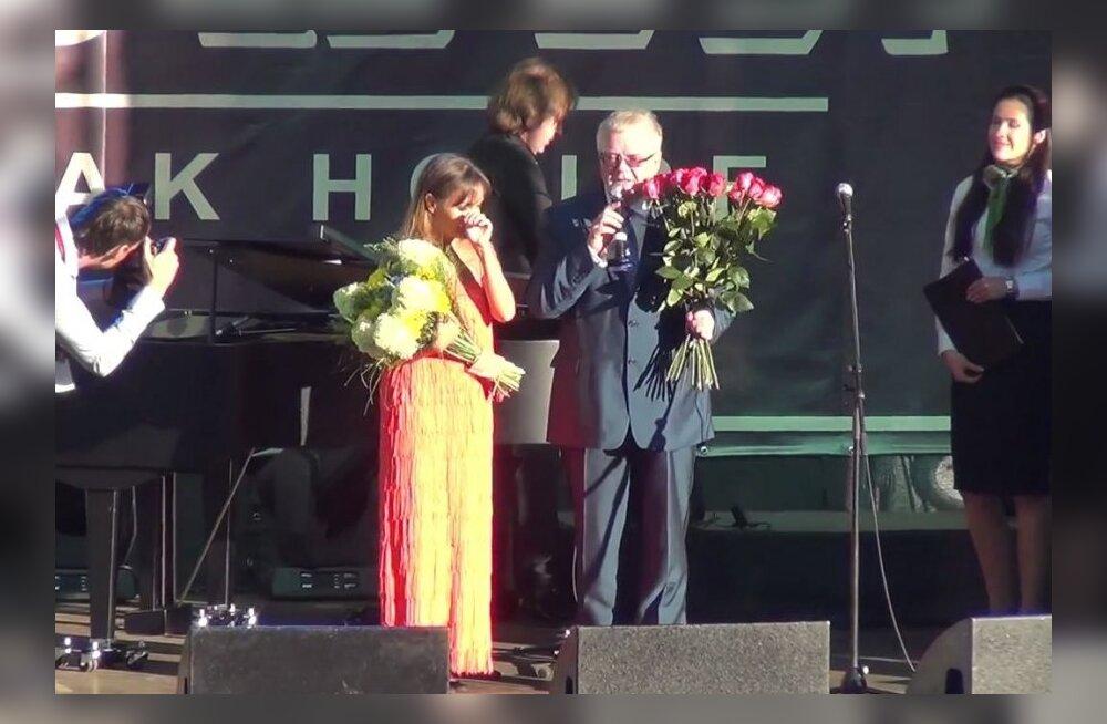 Edgar Savisaar Tatjana Bulanovat tänamas