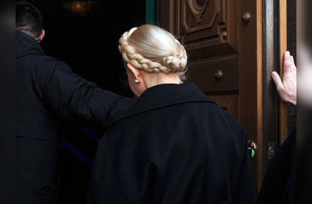 Julija Tõmošenkole esitati süüdistused võimu kuritarvitamises