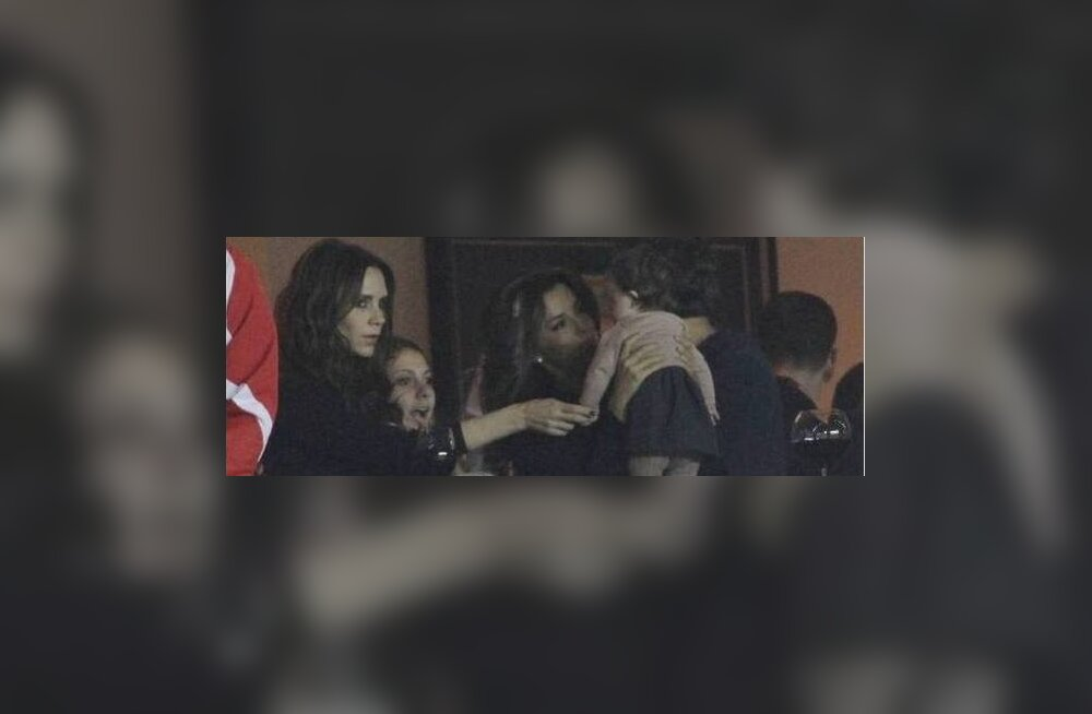 FOTOD: Harper Beckham käis ema ja Eva Longoriaga jalgpallimängul