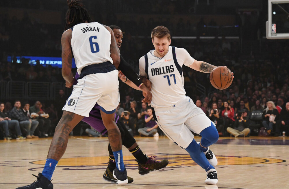 Dallas Mavericksi Luka Doncic (77)