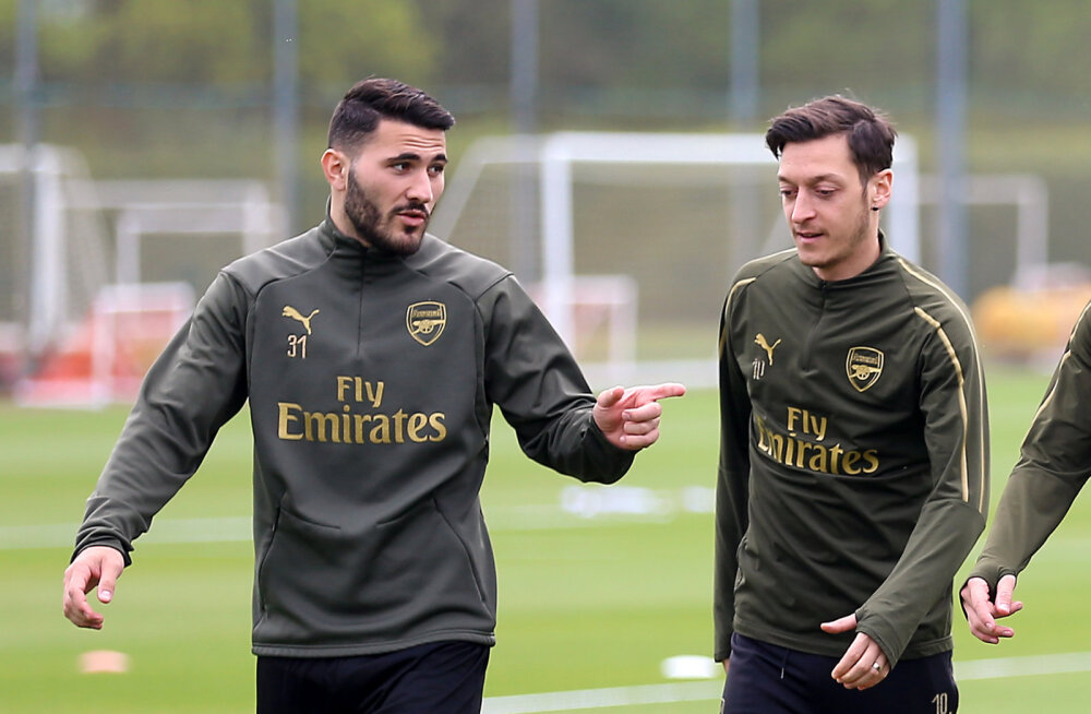 Londoni tänavajõukude omavahelisse sõtta sattunud Arsenali tähed naasesid treeningutele