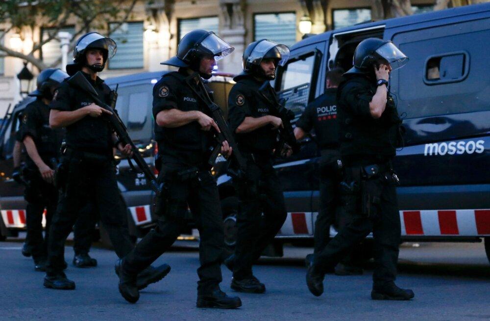 Hispaania politseinikud Barcelona terrorirünnaku järel