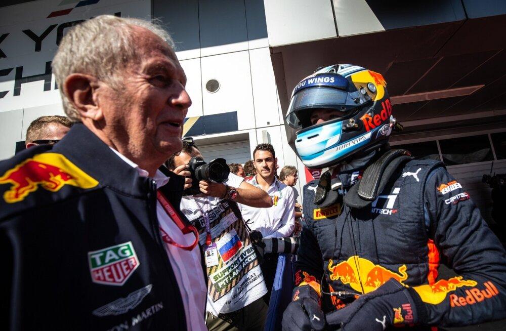 Red Bulli noortetiimi juht Helmut Marko tuli Jüri Vipsi eilse sõidu võidu puhul isiklikult õnnitlema.
