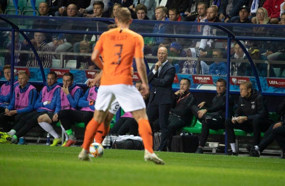 Karel Voolaidi ajastu koondise peatreenerina on alanud kahe nukra kaotusega. Sellest hoolimata oli Lilleküla staadionil olemas fännide valjuhäälne tugi, mida nii treener kui kamängijad hiljem kiitsid.