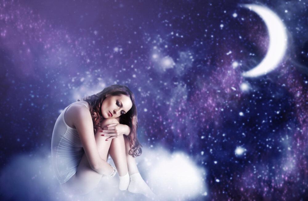 Täna kõrgub taevas poolkuu, see on hea aeg uue armastuse leidmiseks ja oma intuitsiooni kuulamiseks