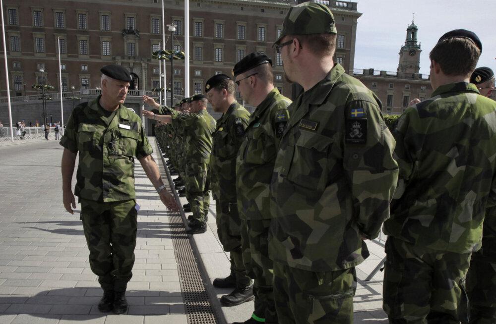 Rootsi valitsuse uuring soovitab kehtestada 2019. aastaks sooneutraalse ajateenistuse