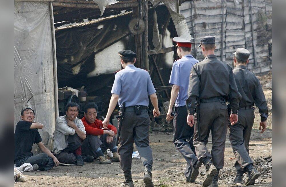 Venemaal keelatakse võõrtöölistel töötamine kaubanduses