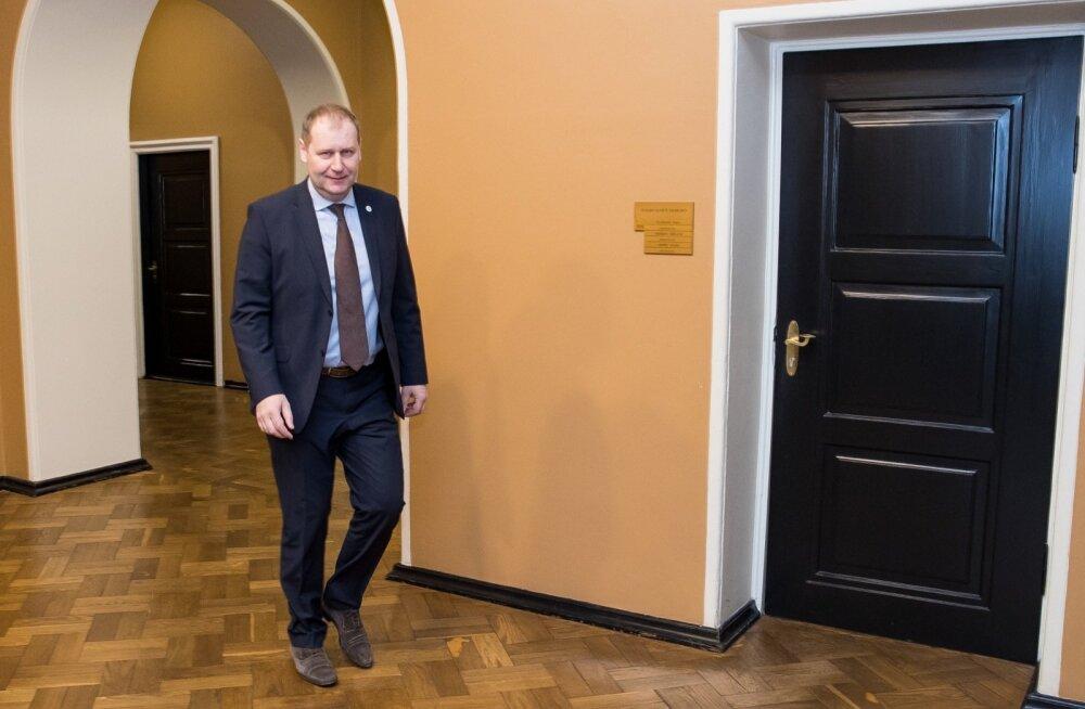 Põllumeestel tõusevad ihukarvad püsti, kui Urmas Kruuse saab jälle maaeluministriks.