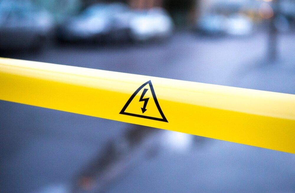 Faehlmanni tänaval sõideti maha elektripost