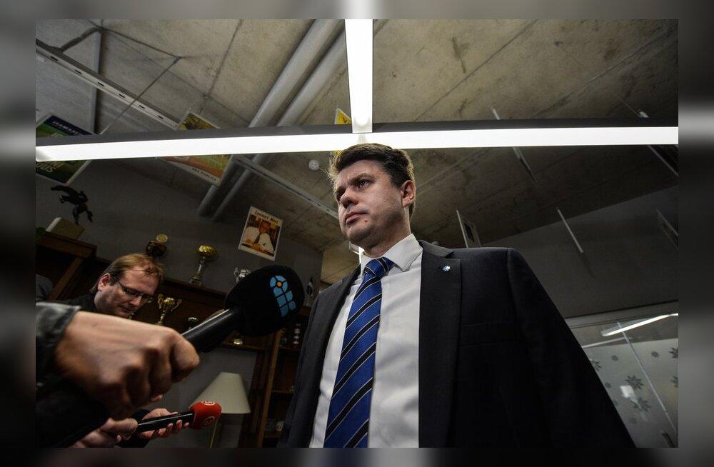 ФОТО/ВИДЕО: Президиум IRL выдвинул Урмаса Рейнсалу в качестве кандидата на пост министра обороны