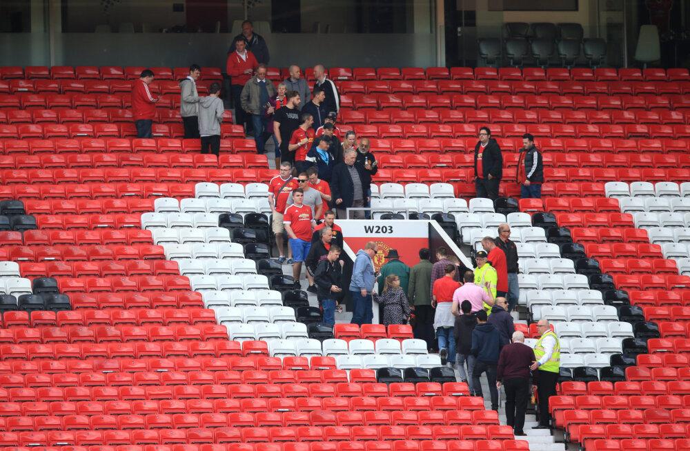 Uurimine tuvastas, et Old Traffordi treppidel kukkunud mehe surmas olid süüdi Manchester Unitedi turvatöötajad