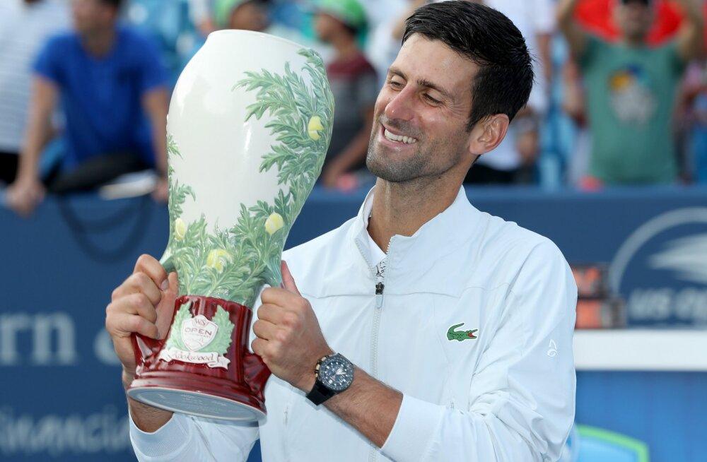 Djokovic alistas Cincinnati finaalis Federeri ning jõudis ainulaadse saavutuseni