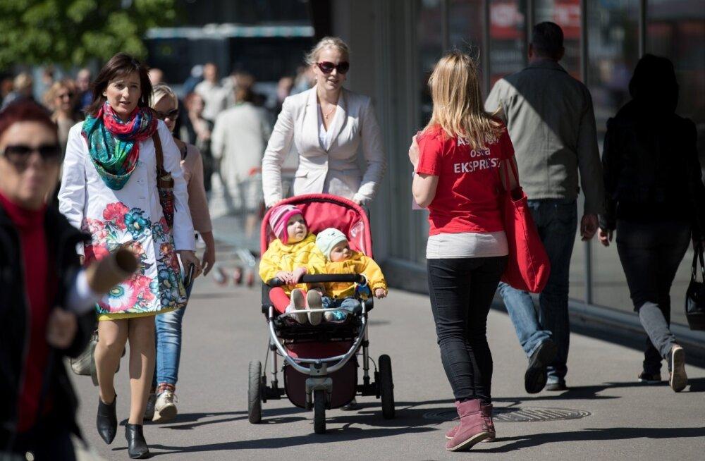 Eesti Ekspressi müük tänaval