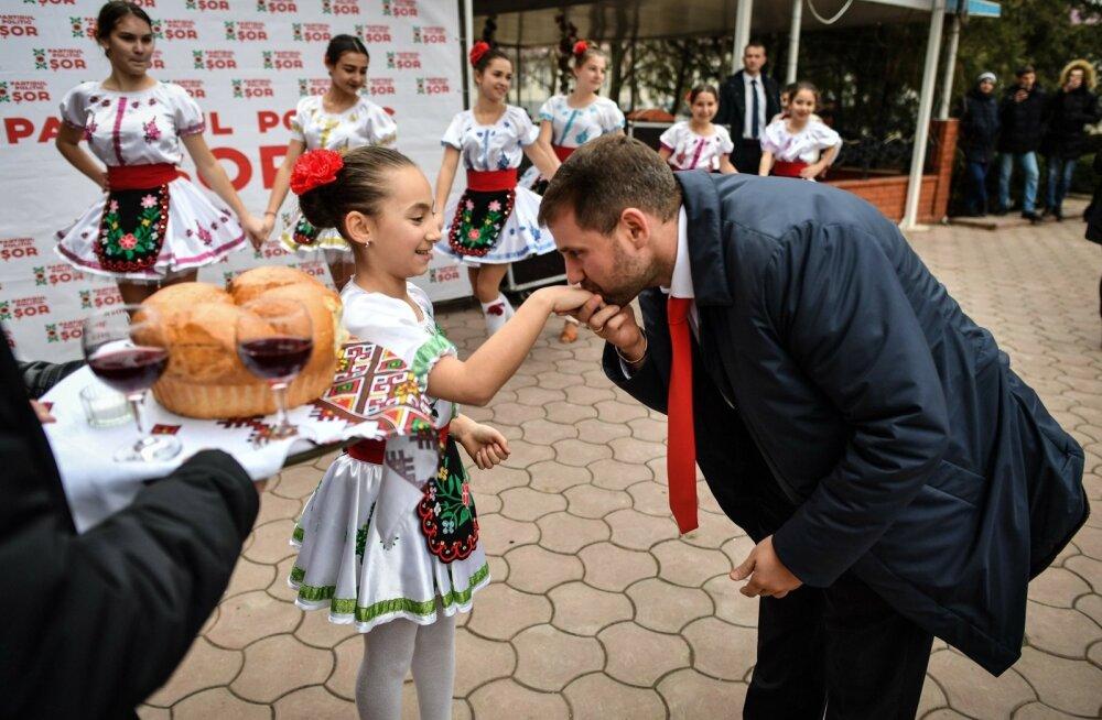 Rahapesus süüdimõistetud skeemimeister, Moldova ärimees Ilan Shor omanimelise partei parlamendivalimise üritusel Orheis
