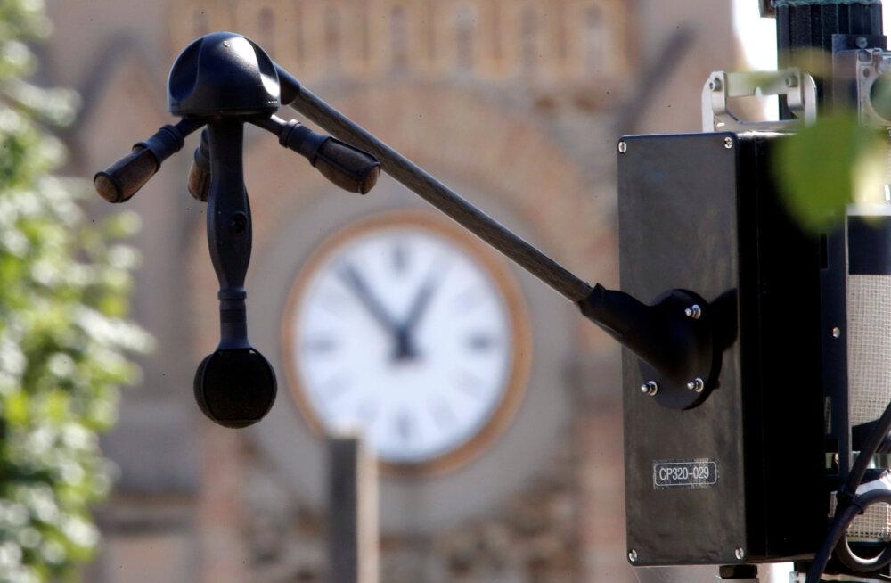 """""""Müraradari"""" eest ei peida: Pariisis hakatakse lärmakaid sõidukeid trahvima"""