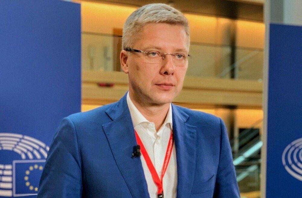Нил Ушаков: нужны не кредиты, а гранты. Всем, кто потерял доход — по 500 евро