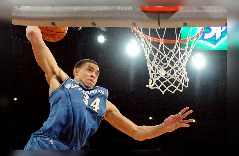 VIDEO: NBA nädala äpardused: McGee tegi Wizardsis meeldejääva lahkumisesituse