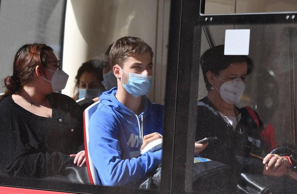 Lux Express ожидает, что с завтрашнего дня пассажиры будут носить маски