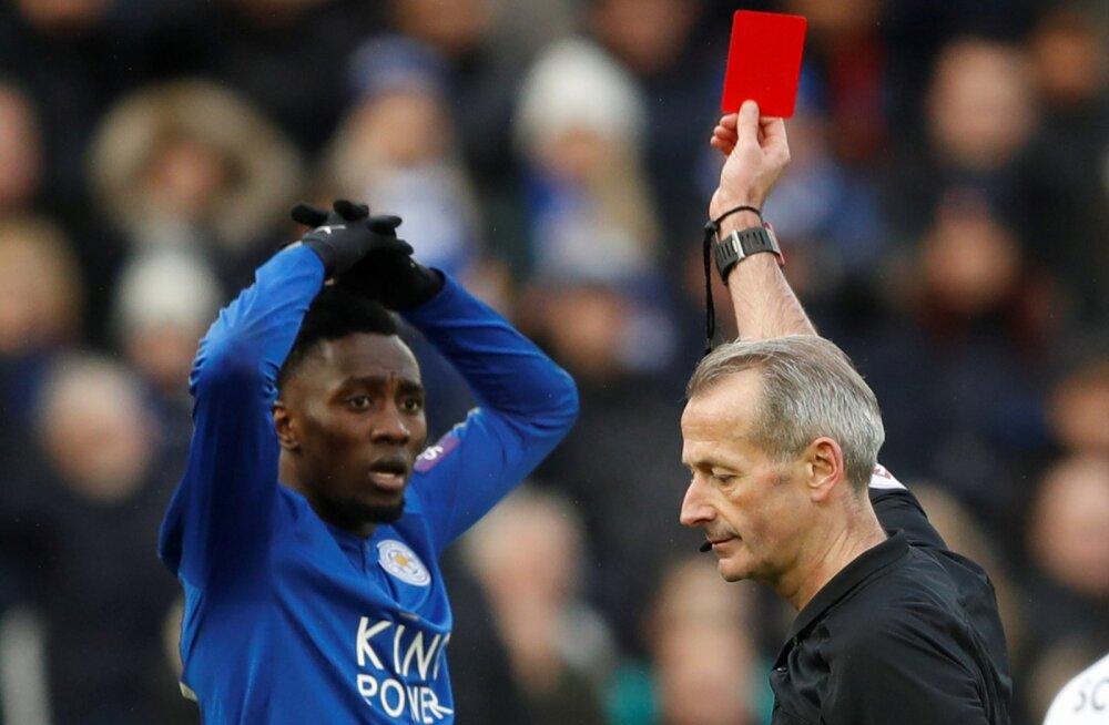 VIDEO | Alatu teeskleja jättis Leicesteri viimaseks pooltunniks vähemusse, tulemuseks 0:3 kaotus