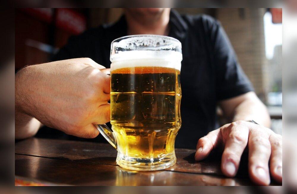 Veerand sajandit tagasi: Pärnu õlu teeb vanad nooreks ja noored rõõmsaks