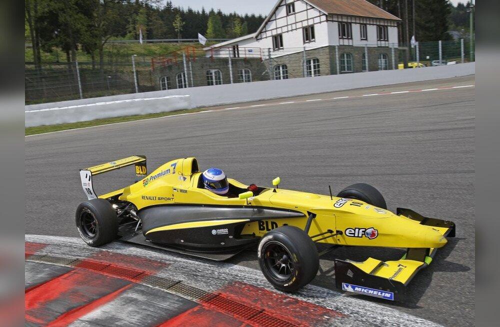 Eestlased jäid vormel-Renault 2.0 sarja etapil rajapervele