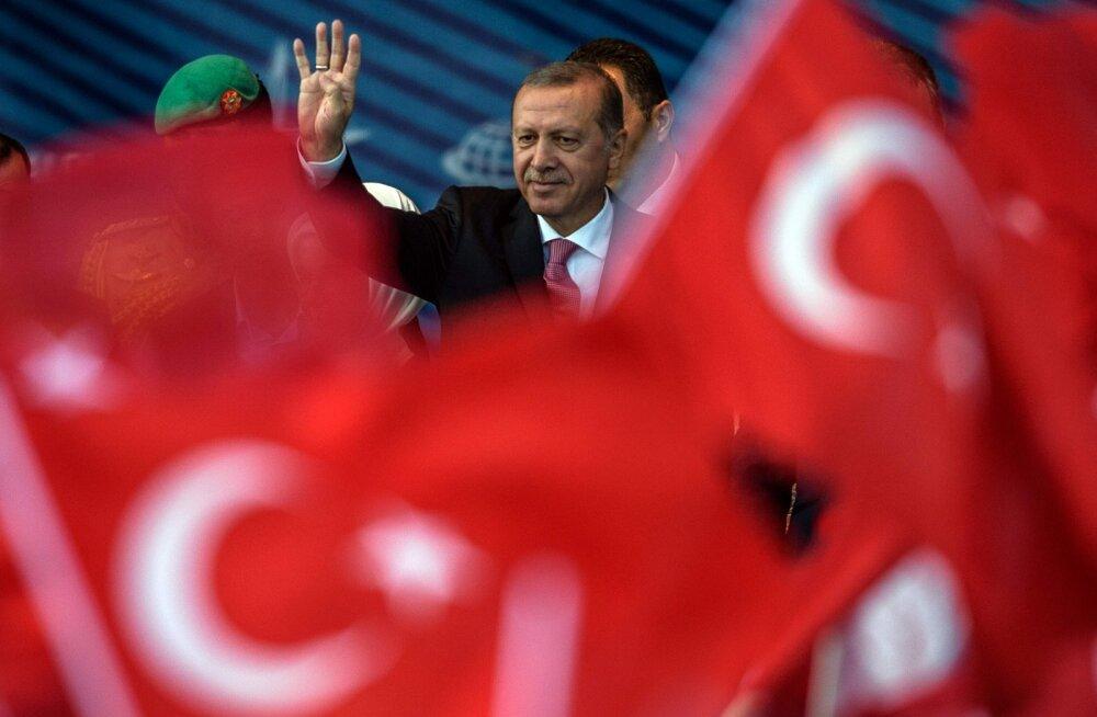 Euroopa Keskpanga nõukogu liige: Türgi on ELiga liitumiseks liiga vaene