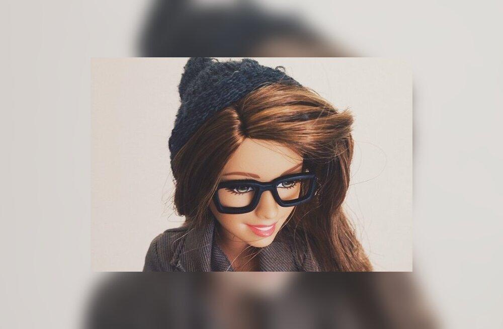 PÄEVA NALI: Ah, niisama tšillin siin! See hipster-Barbie naeruvääristab Su igapäevast Instagrami egotrippi põhjalikult!