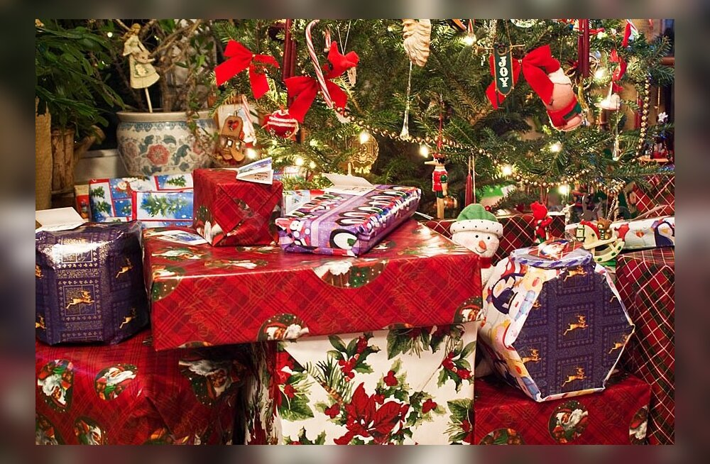 Открытие подарков в сша 27