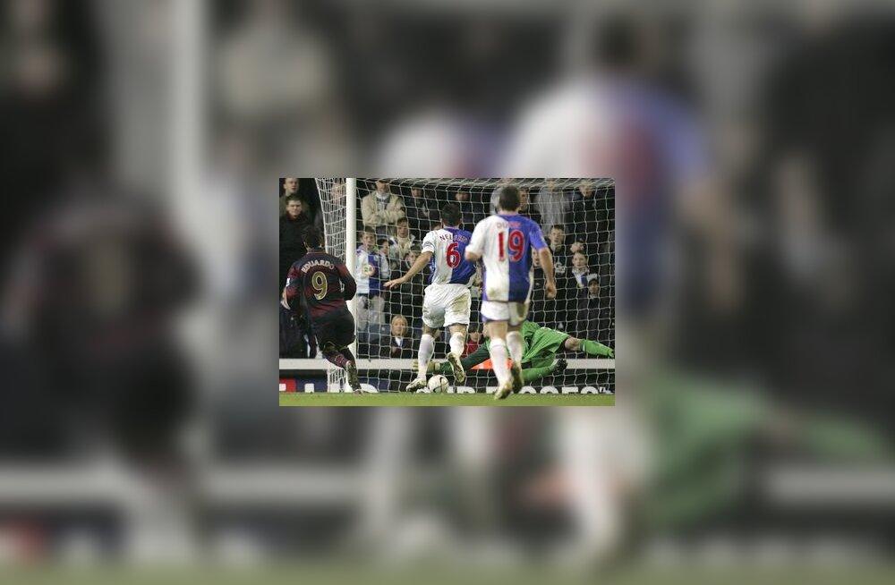 Eduardo lööb Arsenali eest värava