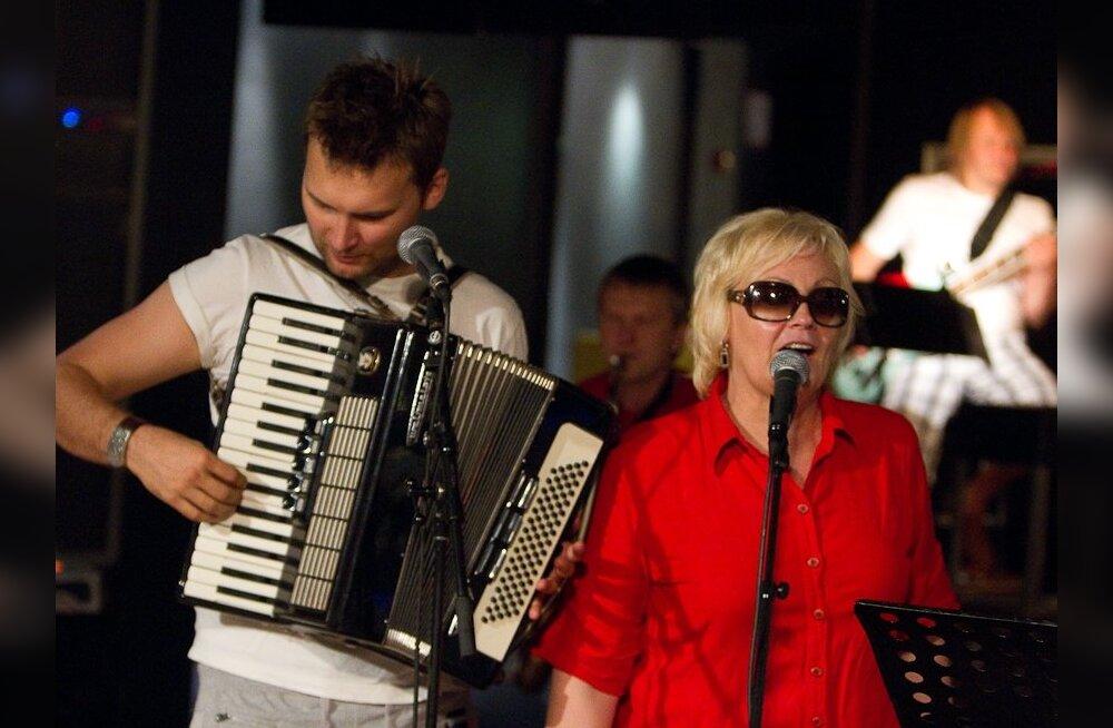 ФОТО: Анне Вески готовится к юбилейному турне