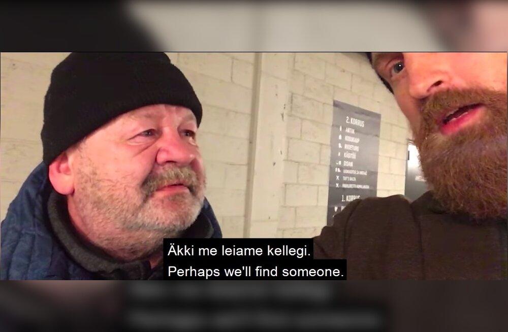 SÜDAMLIK VIDEO   Tallinlane aitab kolmandat päeva kodutu Aare sõnumit jagada, et viimane endale töö ja elamise leiaks