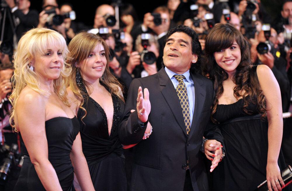 Maradona tegi neli aastat tagasi saatusliku vea, mistõttu tahavad nüüd paljud tema varandusest osa saada