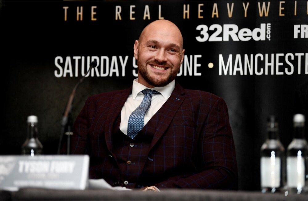 Tyson Fury korraldas pressikonverentsi, kus teatas, et naaseb 9. juunil poksiringi.