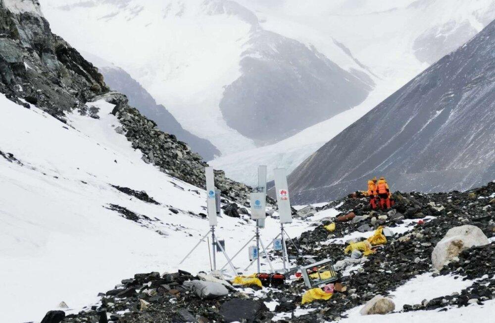 Maailma tipus: Huawei käivitas 5G võrgu Mount Everestil