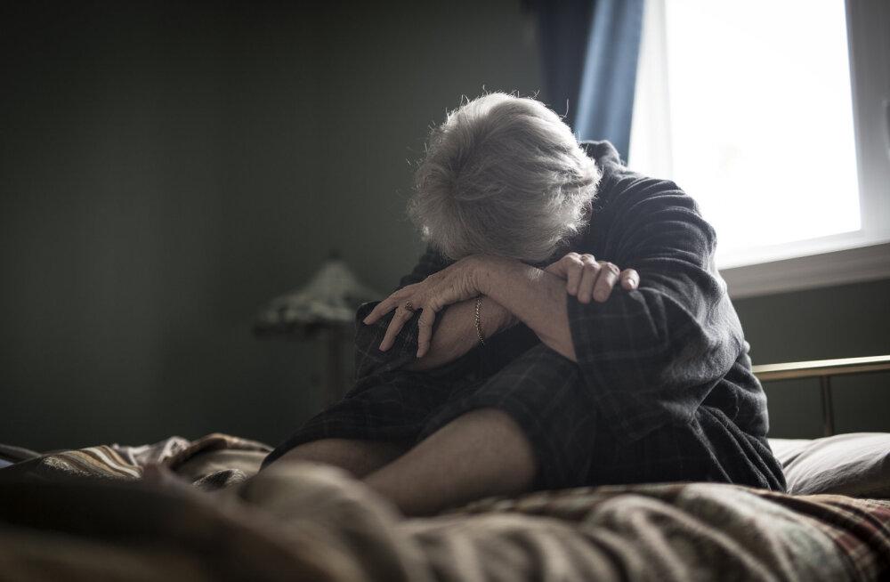 58aastane naine: arvasin, et kaalulangus on põhjustatud rohelise tee joomisest. Tegemist oli hoopis neljanda staadiumi kasvajaga...
