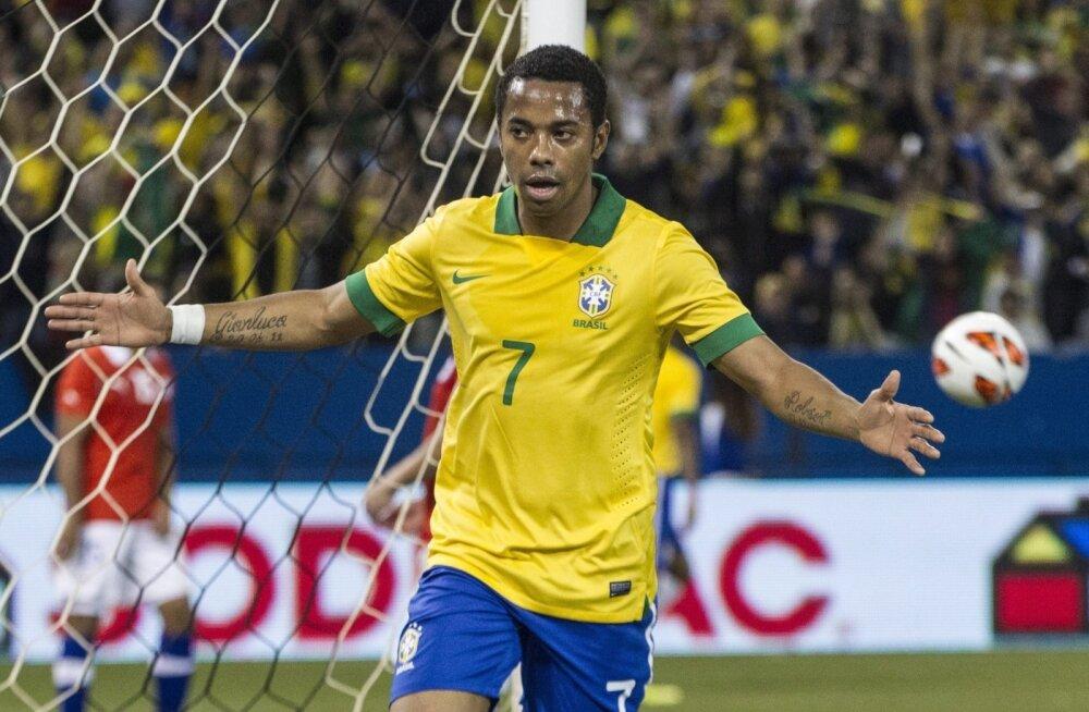 Robinho Brasiilia koondise särgis.