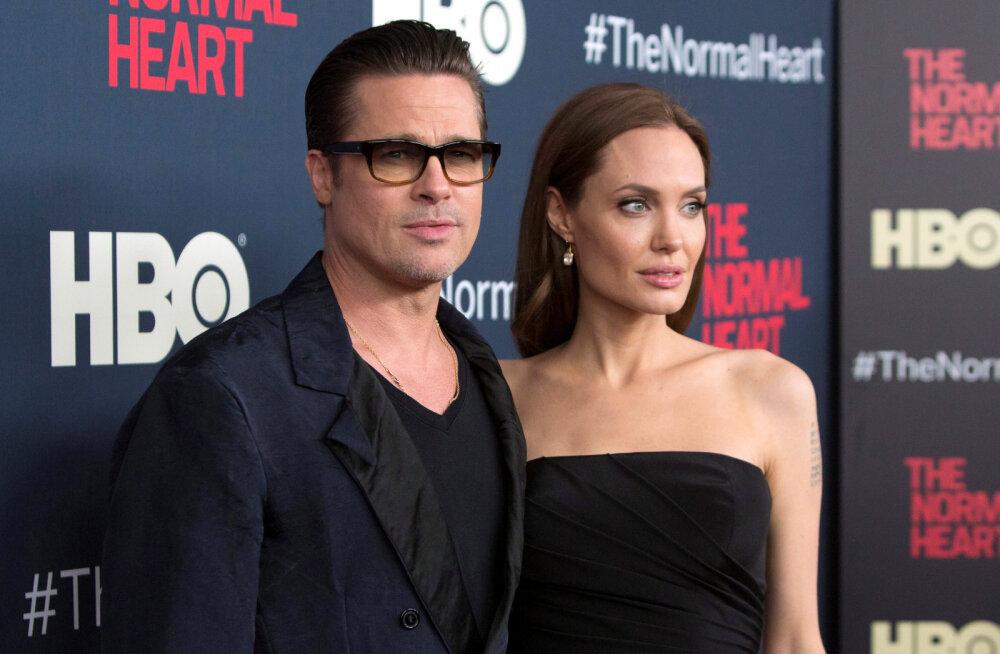 Брэд Питт официально развелся с Анджелиной Джоли
