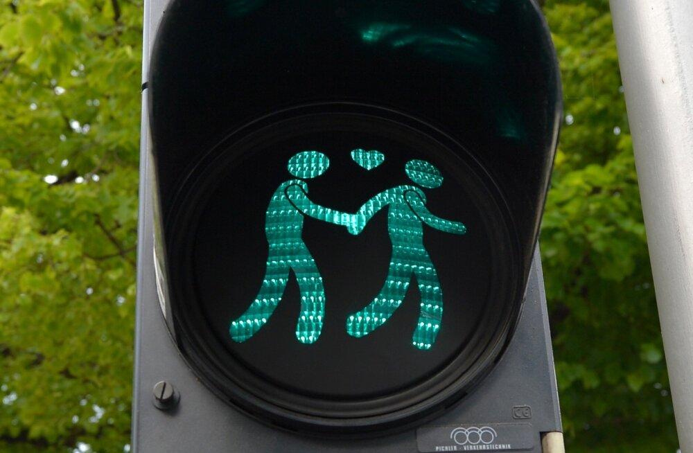 Uuring: naiste meelemuutus on suurendanud vastuseisu kooseluseadusele