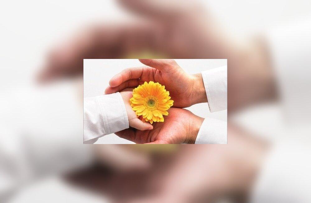 Kätehooldus koduste vahenditega