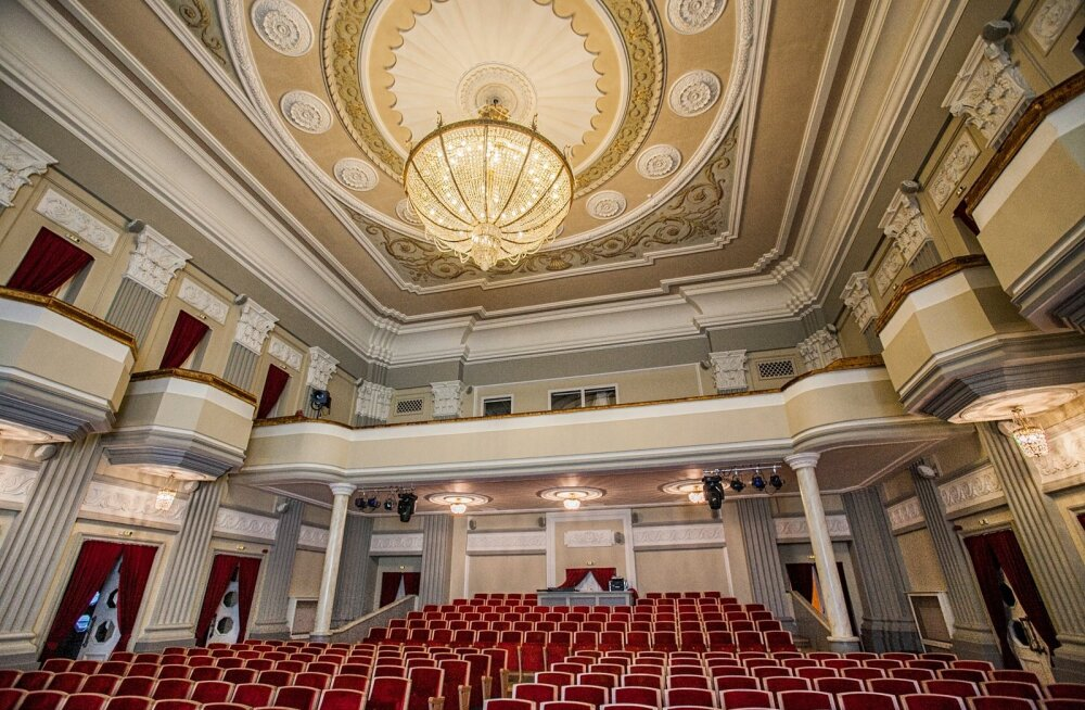 Sillamäe uhke stalinistlik neoklassitsistlik arhitektuur paneb silmad särama tänapäevalgi.