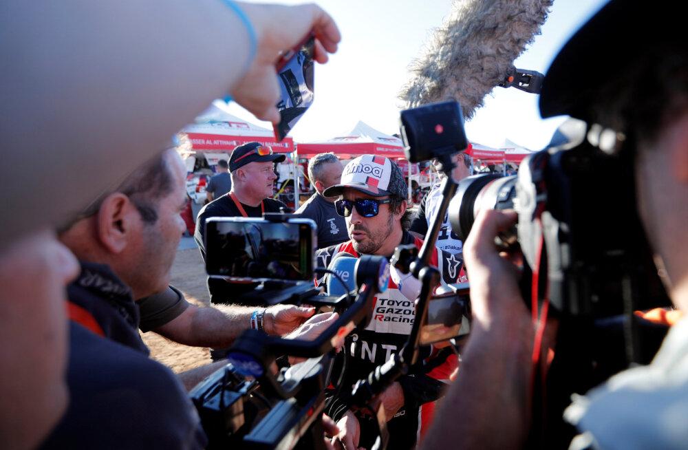 Fernando Alonso suurest tagasilöögist: sõitsime peaaegu 100 kilomeetrit pimestatuna