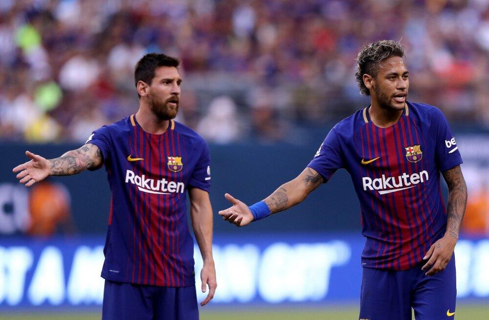 Barcelona pole suutnud Neymari palgata, mängijad eesotsas Messiga on klubiga rahulolematud