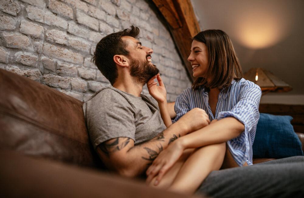 Vallalised naised räägivad suud puhtaks: miks on seks nende jaoks olulisem kui kodus püsimine?