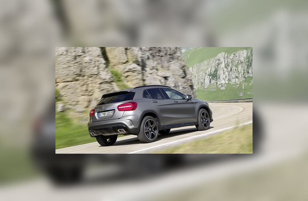 Mercedes-Benz avaldas esimesed fotod krossoverist GLA