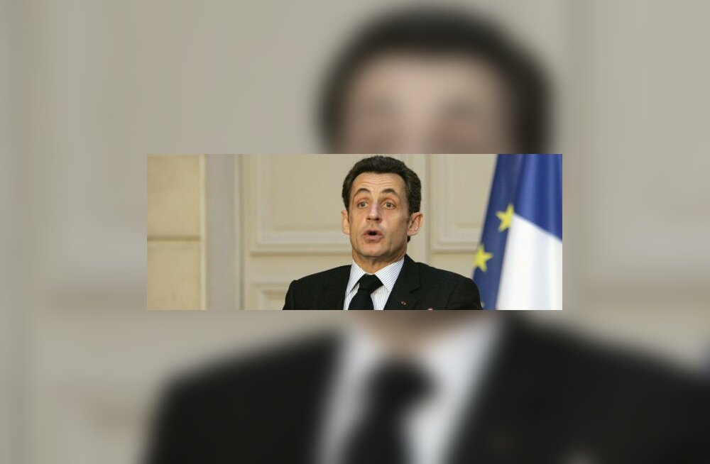 Nicolas Sarkozy saabus äkkvisiidile Iraaki