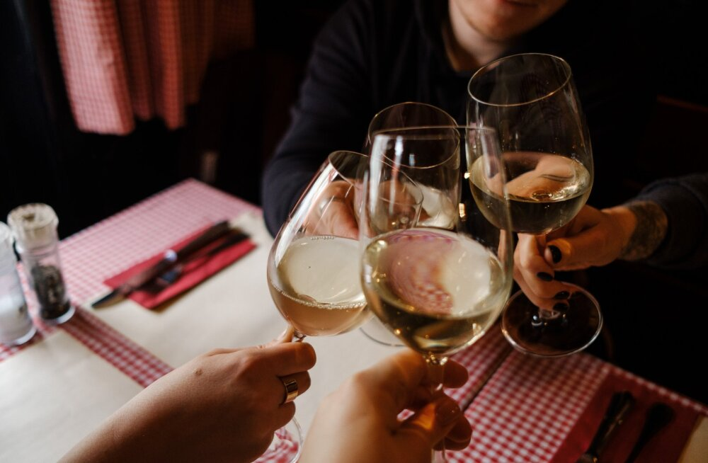 Самый безопасный алкогольный напиток — мнение нарколога