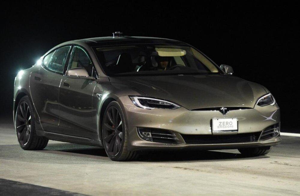 See on kiireim kuulikindel auto maailmas (jah, see on Tesla)