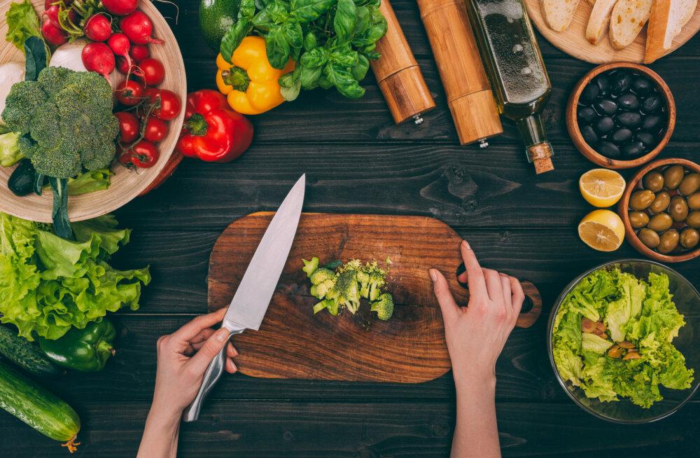 Dr Adik Levini näpunäited õigeks toitumiseks: mida süüa, mida kindlasti vältida ja kui sageli peaks sööma, et olla terve